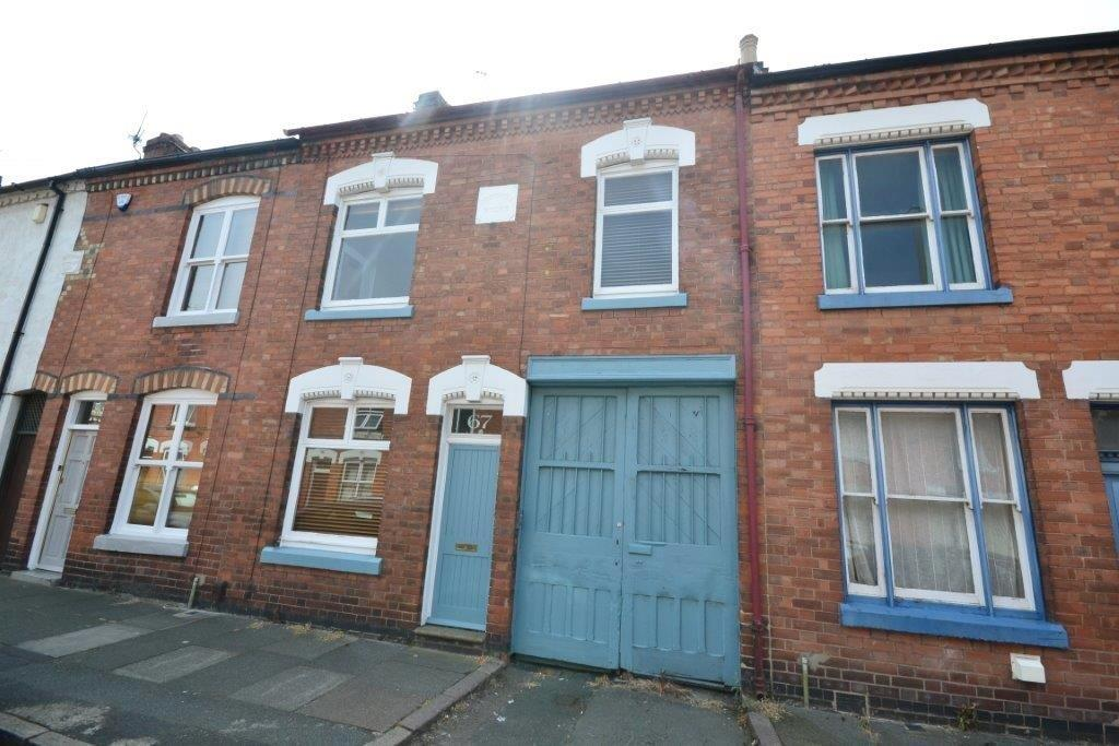 3 Bedrooms Property for sale in Avenue Road Extension, Clarendon Park, Leicester